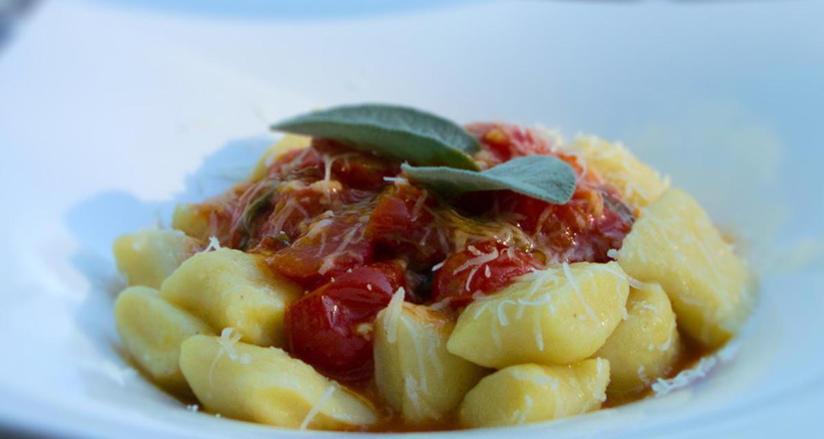 Gnocchi mit Kirschtomatensauce